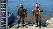 Первый сазан гостя из Иркутска. Подводная охота на Красноярском водохранилище.