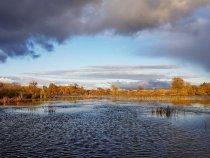Закат на озере