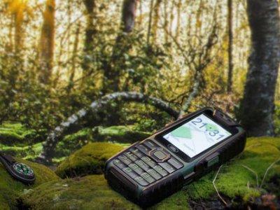 Неубиваемый телефон, с которым не страшно отправиться в тайгу