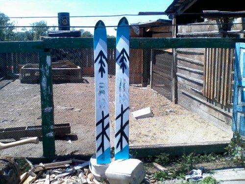 Готовь лыжи летом а телегу зимой)