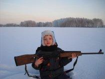 Мой внук - будущий охотник.