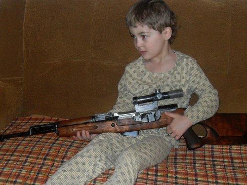 Мой внук(готовит себя на роль Бонда с детства).