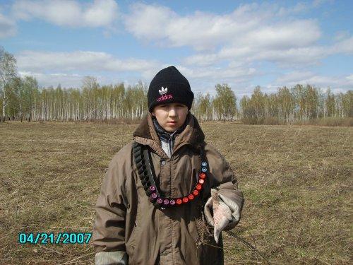 лет 7 брату))