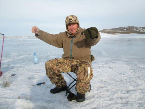 Чем не рыболов?)))