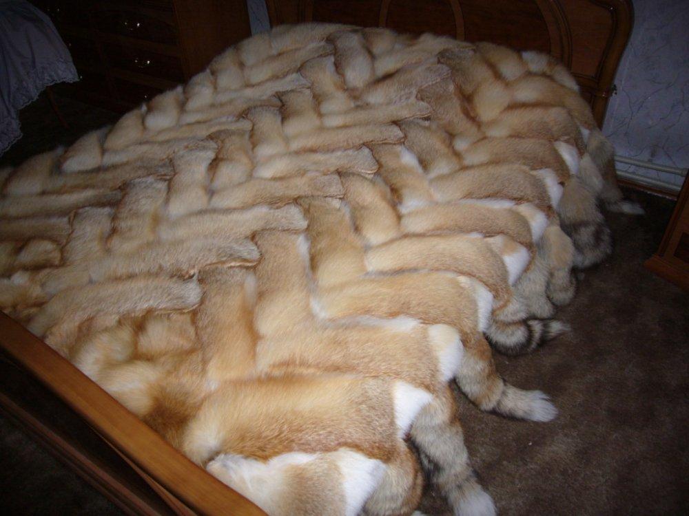 Плед из лисиц 200 см Х 180 см (30 лис)