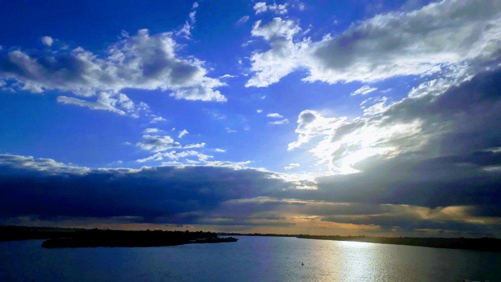 Небо голубое...