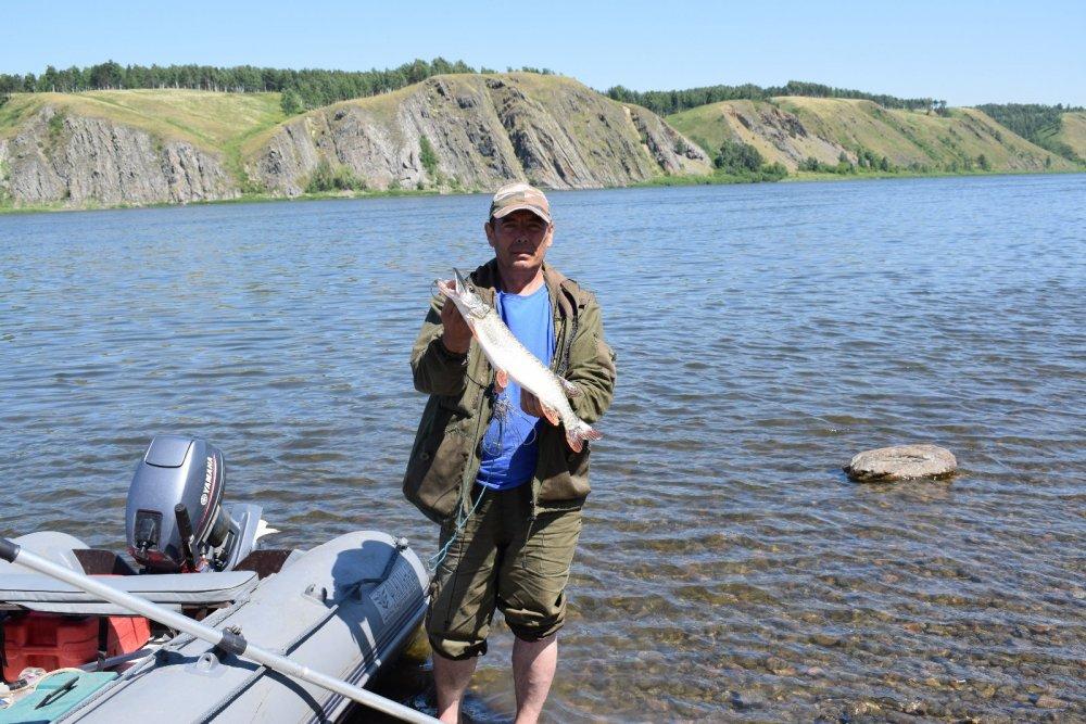 Отметил день рыбака.