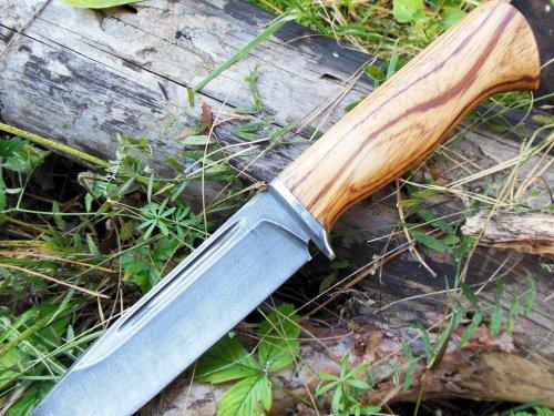 Мощный нож Бизон в дамасской стали
