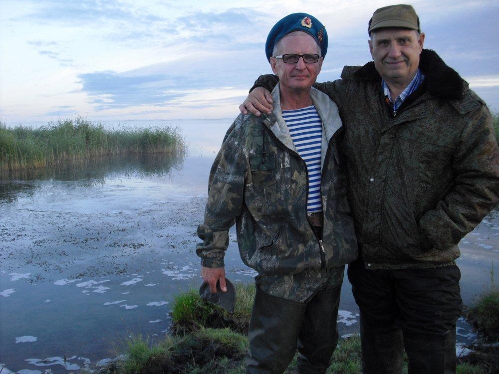 Слава ВДВ! Праздник на озере.