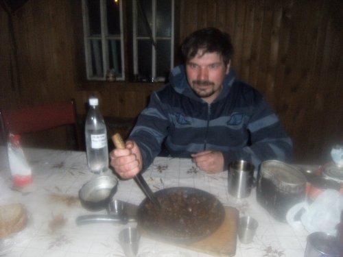 Нож и в еде помощник
