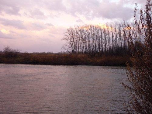 Вечер на реке.....