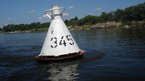 Вот что будет с лодкой, если влететь в бакен на скорости 50 км/час