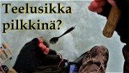 подледная рыбалка с чайной ложкой