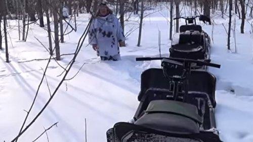 Мотобуксировщик Толкач и его бешеная проходимость в снегу