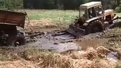 Трактор ЛТЗ-60 буксует