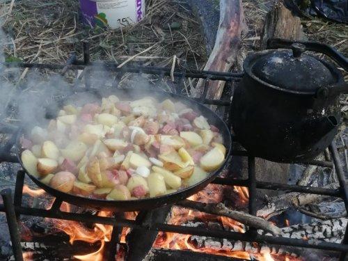Жареный картофан...