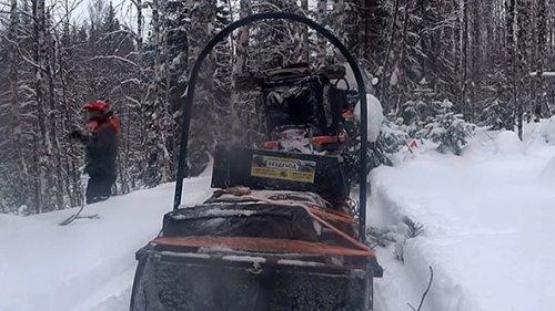 На двух снегоходах с сыном в глухой тайге. Встреча с инспекцией