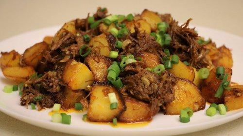 Картошка с тушёнкой. Нереальная вкуснота.