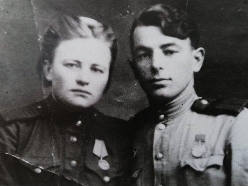 Моя тётя Лена, пропала без вести. Дошла до Берлина, а в Белостоке пропала.