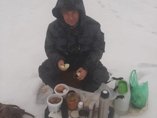 На наших зимних речках -1