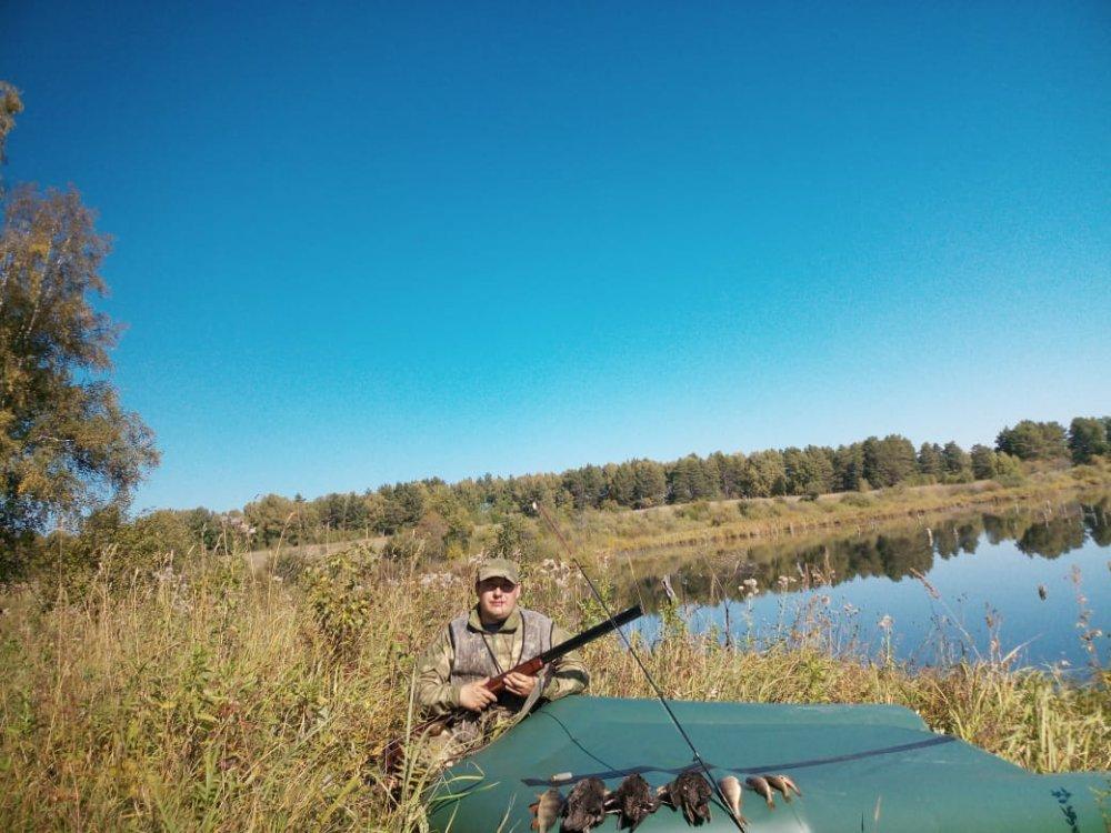 Каждый охотник не много рыбак.